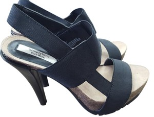 Vera Wang Simply Sandal Black Pumps