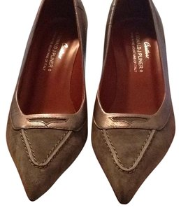 Donald J. Pliner Gray Pumps