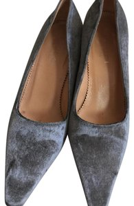 Gucci Gray velvet Pumps