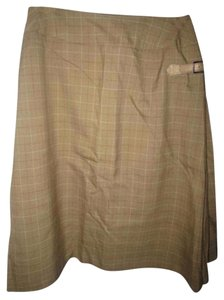 Burberry Leather Side Buckle Built In Lining Knee Length/A-line Excellent Vintage Early Piece Skirt lightweight wool olive green, red, and ivory window pane plaid