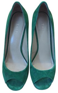 Talbots Green Wedges