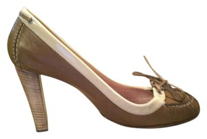 Goffredo Fantini All Leather Classic Style Comfortable Great Detail Well-made tan & cream Pumps