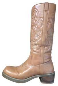Roxy Cowgirl Round Toe tan Boots