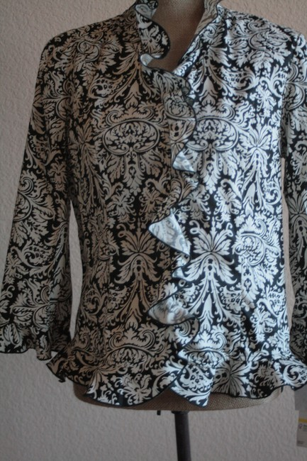 Preload https://item1.tradesy.com/images/jones-new-york-black-and-white-florentine-pattern-with-ruffled-neck-front-and-cuffs-blouse-size-8-m-193880-0-0.jpg?width=400&height=650