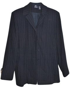 Hillard & Hanson Navy Blue Pinstriped, Fully Lined Suit Jacket.