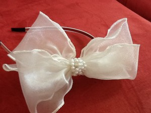 White Bow With Pearls Headband