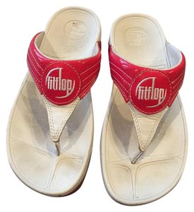 FitFlop Travel Strawberry Sandals