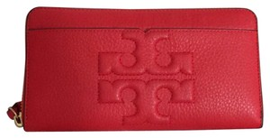 Tory Burch Bombe-T Zip Continental Wallet