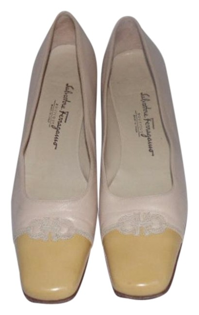 Item - Ivory / Yellow Colorblock Leather Pumps Size US 10.5 Narrow (Aa, N)