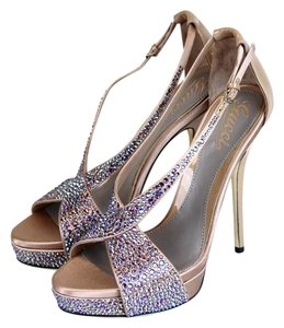 Gucci Sofia Etoile Platform Strass Embroidery Winter Rose Sandals