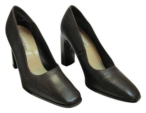 Newport News Size 7.00 M (usa) Leather Brown Pumps
