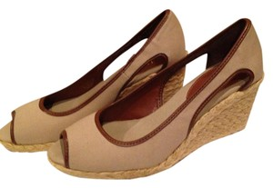 Chaps Tan Wedges