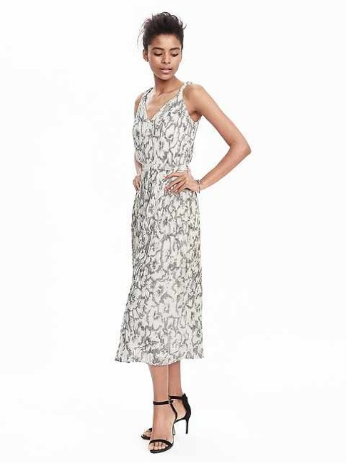 Item - Ivory Multi Pleated Mid-length Casual Maxi Dress Size 0 (XS)