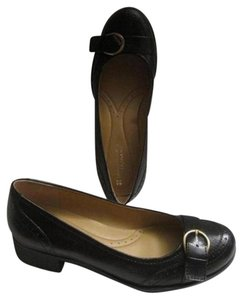 Naturalizer Dressy Or Casual Retro Look Rounded Toe Spectator Design Buckle At Toes black leather Flats