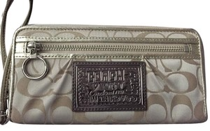 Coach Coach Poppy Wallet with Wristlet