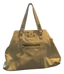 Fendi Dressy Or Casual Excellent Condition Xl Gold Hardware Satchel in white crinkled patent leather