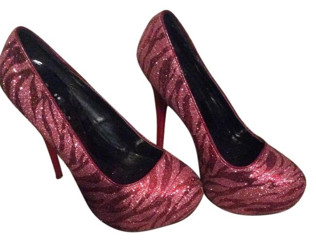 Item - Red Pumps Size US 5