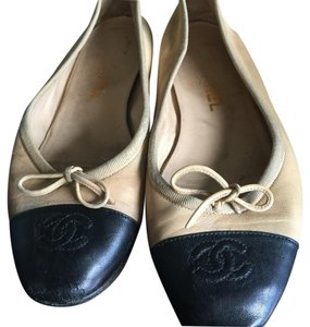 Chanel Black & Tan Flats