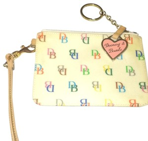 Dooney & Bourke Wristlet in Cream