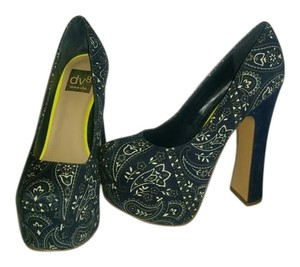 Dolce Vita Navy paisely Platforms