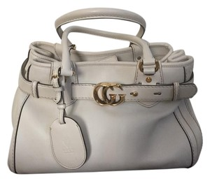 Gucci Leather Gg Logo Tote in Ivory