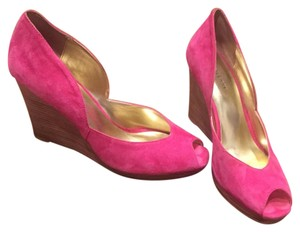 Sole Society Hot pink / Fuchsia suede Wedges