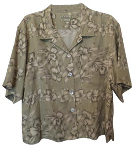 Tommy Bahama Silk Shirt Button Down Large Button Down Shirt Shades of green + off-white