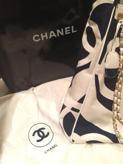 Chanel Tote in Black and White