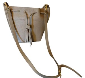 GiGi New York Bucket Leather Shoulder Bag