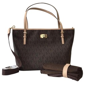 michael kors baby diaper bags up to 70 off at tradesy. Black Bedroom Furniture Sets. Home Design Ideas
