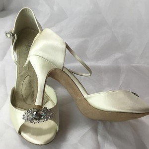 Angela Nuran Astoria Hi Wedding Shoes