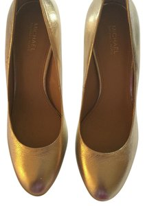 MICHAEL Michael Kors Pale gold. Pumps