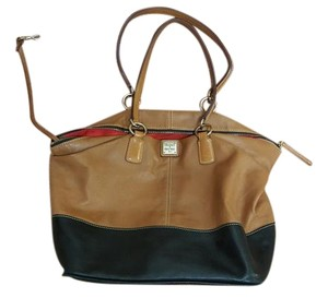 Dooney & Bourke Leather Vintage Tote in TAN