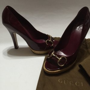 Gucci purple/burgundy Pumps