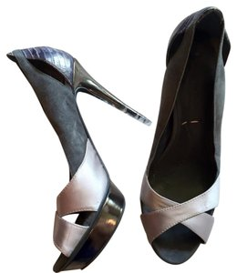 BCBGMAXAZRIA Grey Pumps