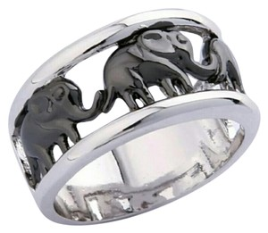 10 KT White Gold Elephant Ring