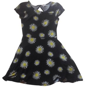 One Clothing short dress Black with Daisys on Tradesy