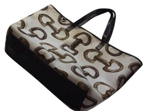 Gucci Tote in Tan With Brown Buckle Print