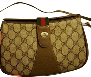 Gucci Great For Travel Gold Hardware Accessory Col Multiple Compartment Excellent Vintage Cross Body Bag