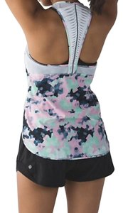Lululemon NEW LULULEMON VENT IT OUT TANK SZ 2 CLOUDED DREAMS MULTI-COLOR