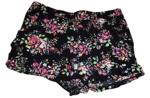 No Boundaries Mini/Short Shorts Black floral