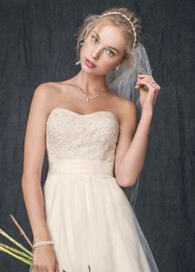 David's Bridal David's Bridal Strapless A Line Beaded Lace Tulle Gown Wedding Dress