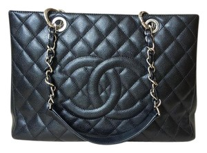 Chanel Caviar Gst Shoulder Bag