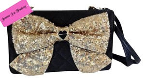 Betsey Johnson Wallet On A String Gold Bow Quilted Diamond Cross Body Bag