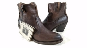 Frye Back Zip Vintage Details Distressed Side Pulls Made In Mexico CHARCOAL Boots