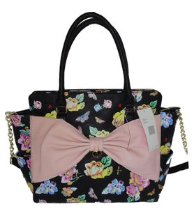 Betsey Johnson Cross Body Top Zip Closure Satchel in black floral