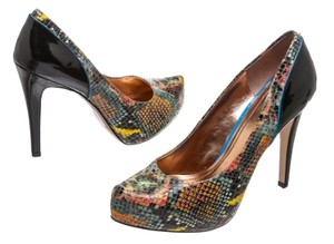 BCBGeneration Black/Multicolor Pumps