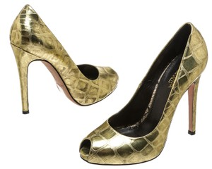 Giambattista Valli Gold Pumps