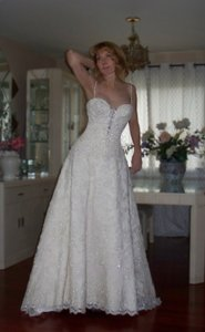 Enzoani Holiday Sale Wedding Dress