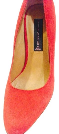 Steven by Steve Madden Red suede Pumps